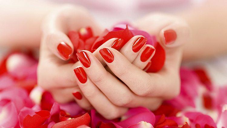 Cách dưỡng da tay sau khi dùng bột giặt, nước rửa chén