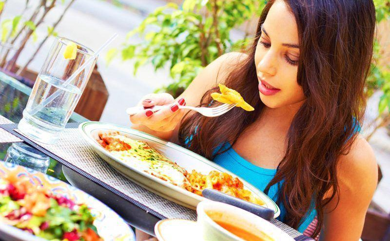 Ăn chậm, nhai kỹ và lợi ích tuyệt vời nhận được