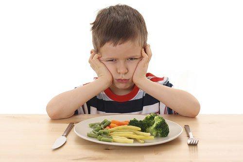 Một số vi chất dinh dưỡng tác động đến phát triển chiều cao ở trẻ ngoài canxi