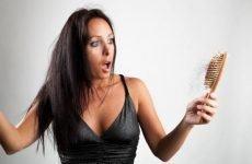 Nguyên nhân rụng tóc ở phụ nữ – cách khắc phục