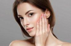 Các bước skincare cho da khô mụn