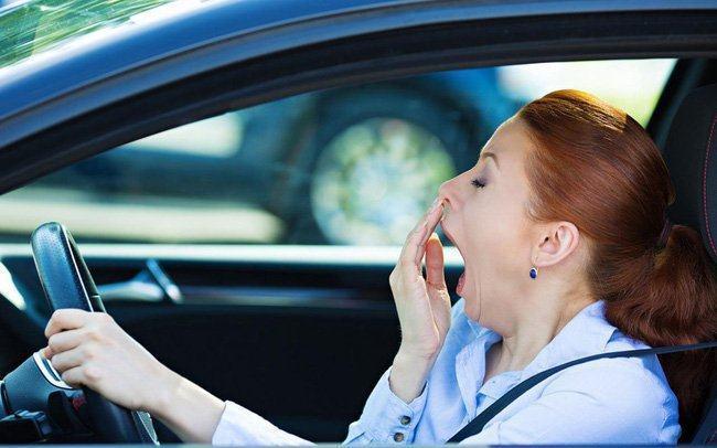 Cách chống buồn ngủ khi đang lái xe hiệu quả nhất
