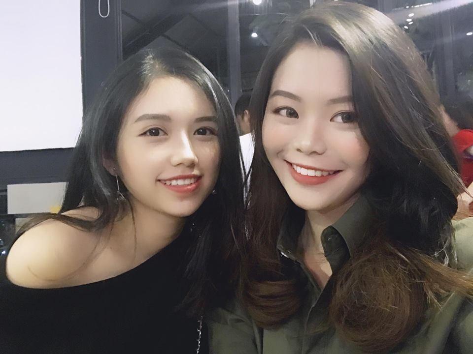 Bạn Thanh Nga (bên phải) chia sẻ về quá trình niềng răng để trở nên tự tin hơn, xinh đẹp hơn