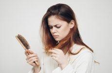 Khi nào cần đi khám vì tóc rụng nhiều