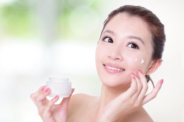 Các sai lầm trong viên dưỡng ẩm cho da