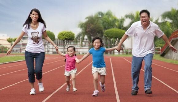 Vận động giúp tinh thần sảng khoái, tăng cường đề kháng, phòng ngừa dịch bệnh. Ảnh: munsterbootcamp