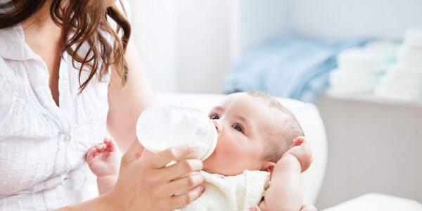 Làm thế nào để chọn sữa cho trẻ sơ sinh phù hợp nhất?