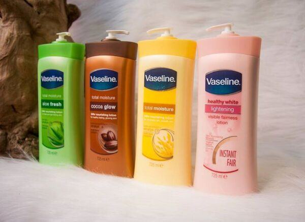 Sữa dưỡng thể làm trắng da Vaseline